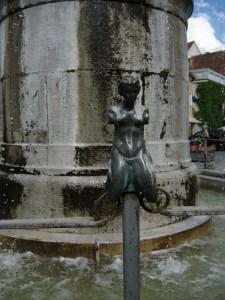 Nördlingen - Brunnen Figur