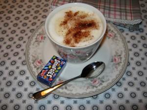 Kaffee mit Sahne aus Lattecup Greengate Sophie Vintage