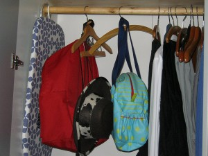 Siamesischer Kleiderhaken ANNA - vorher