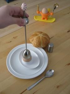 Osterfrühstück mit Frühstücksei