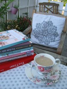 Samstagskaffee - Bücher - Greengate Teetasse Vera Vintage