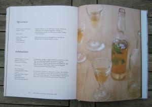 Buch - Rezepte und Geheimnisse aus der Klosterküche - Rezept - Pfirsichwein - Veilchenelixier