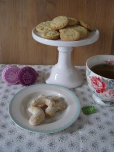 Plätzchen Sweet Table - Vanillekipferl und Stempelkekse mit Keksstempel