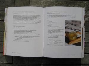 Blick ins Buch - Grüne Kosmetik - Bio-Pflege aus Küche und Garten- Wundheilendes Öl + Winter kalte Füsse Salbe