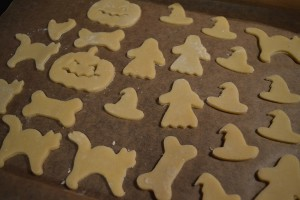 Halloween Kekse backen Rezept - Ausstecherformen