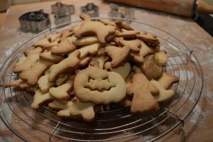 Halloween Kekse backen - Rezept - Plätzchen Ausstecher